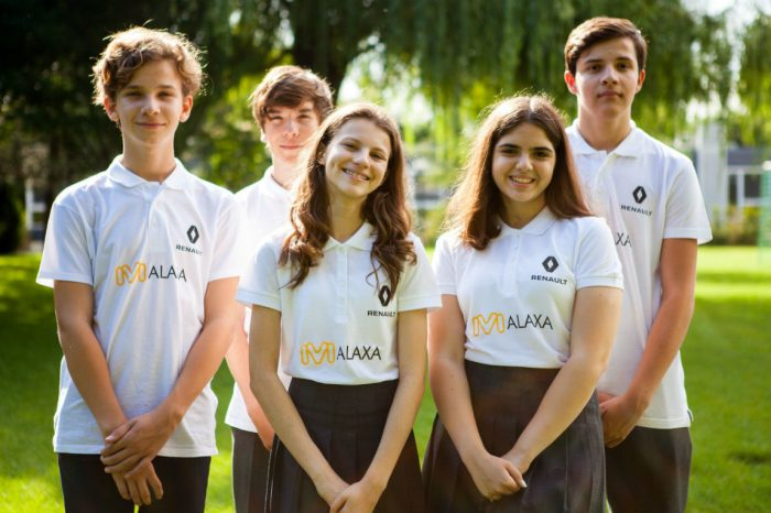 Renault supports Romanian team for 'F1 in schools' competition