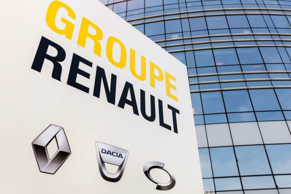 Renault cuts revenue goal as car industry misery spreads