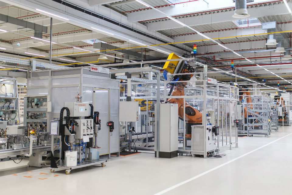 Daimler launches production of eight-speed automatic transmissions in Romania