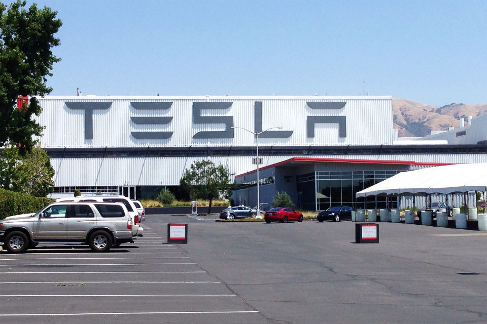 Tesla to buy battery tech firm Maxwell for 218 million USD