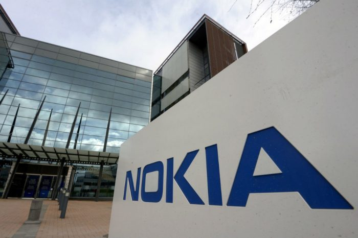 German electronics firm joins Daimler in calling for Nokia patent probe