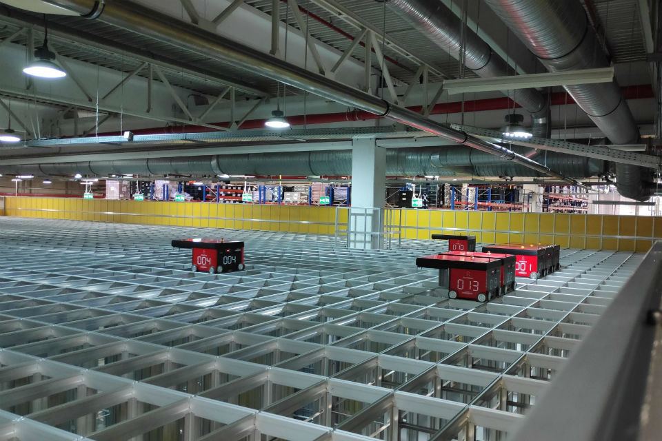 Continental has invested 1.9 million Euro in an automated storage system managed exclusively by robots at the Timisoara plant