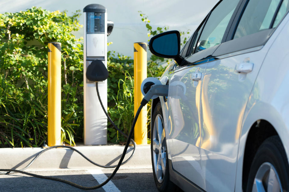 EU approves Romanian plan to support EV charging stations