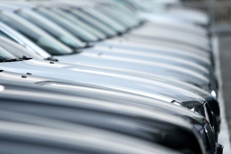 EU demand for passenger cars down by 32 percent over eight months