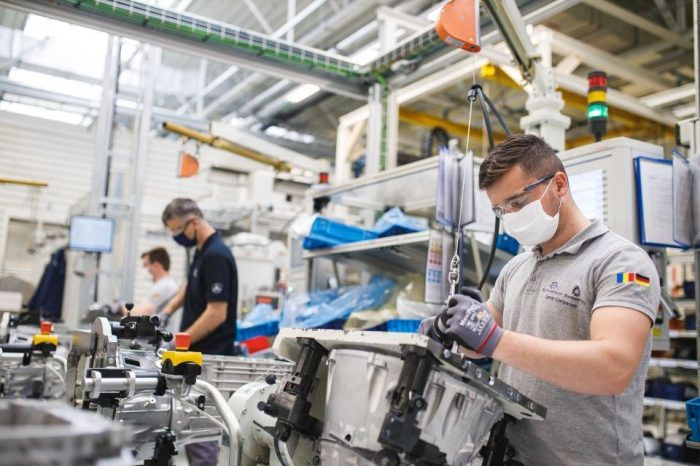 Daimler resumes Romanian production, announces maximum safety conditions for the employees of Star Transmission and Star Assembly