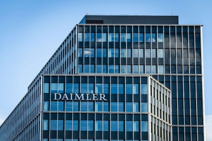 Daimler to accelerate electric push