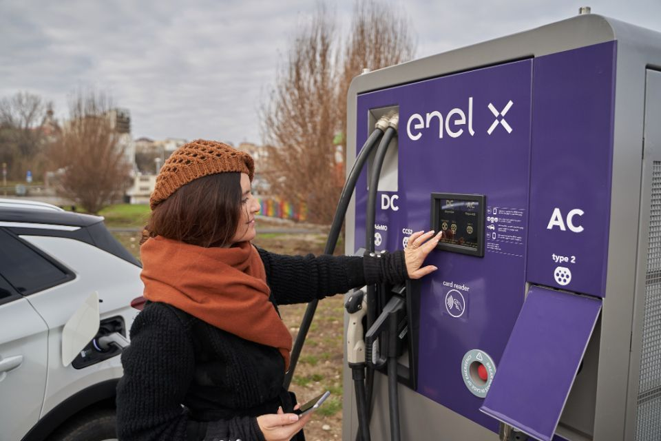 Enel X Romania installs first electric vehicle charging stations in Constanta