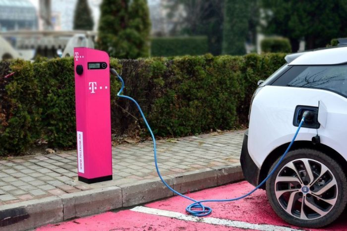 Telekom Romania to install its first charging stations for electric cars