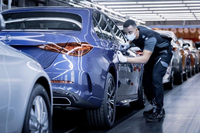 Mercedes-Benz launches the new C-Class in the global production network