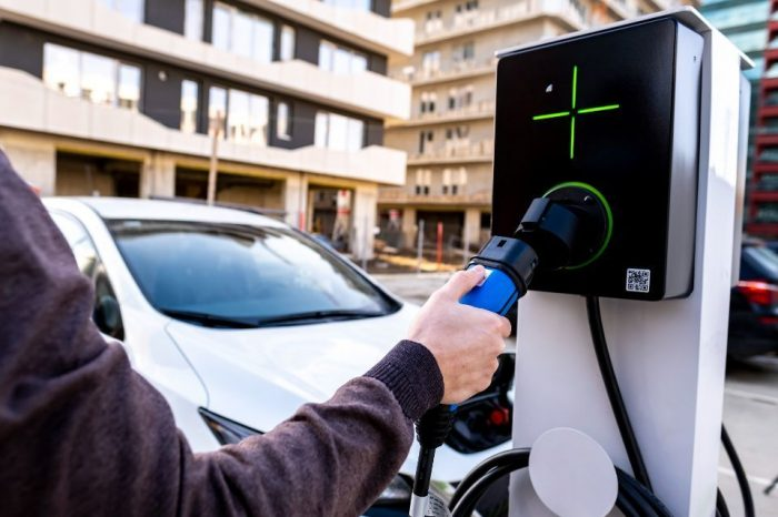 Romania's Lektri.co to sell 1,000 EV charging stations this year