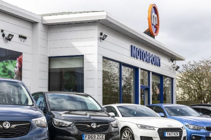 UK: 75 per cent of motorists delay new car purchases until showrooms re-open