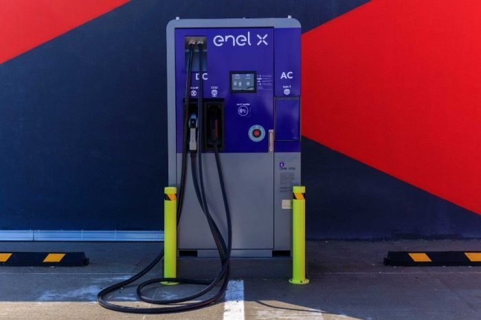 Enel X Romania to install 25 EV charging stations in shopping centers in 12 cities