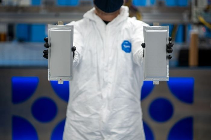 Ford, BMW lead 130 million USD investing round in solid-state battery start-up